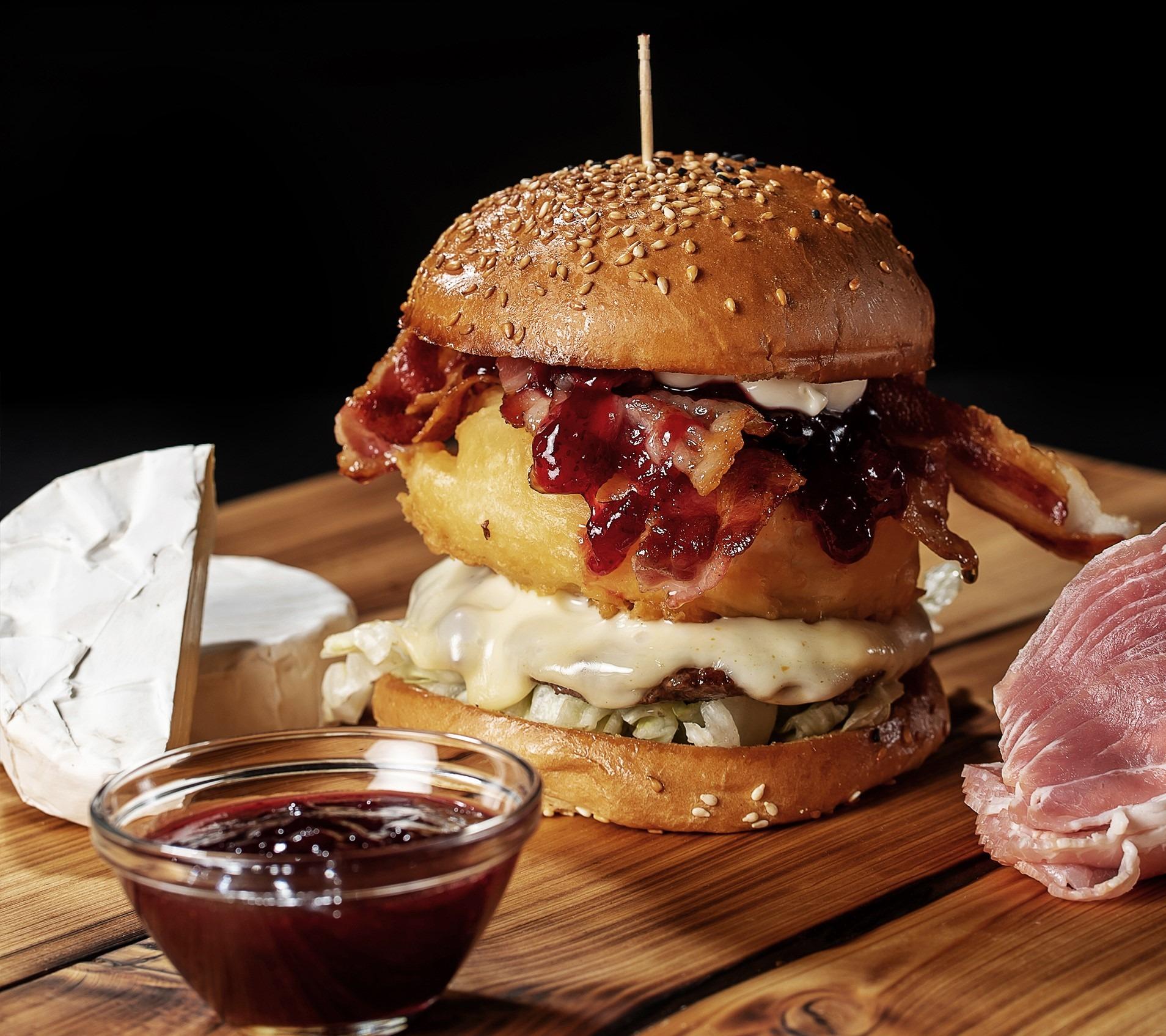 Burgerglück Camembert Cheese Burger